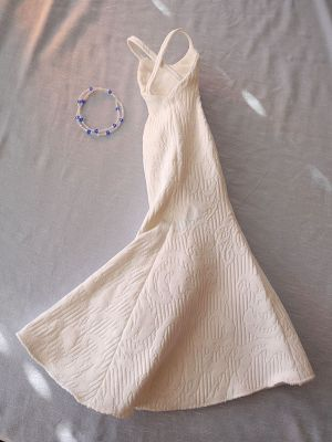 White with blue tulips+necklace 53