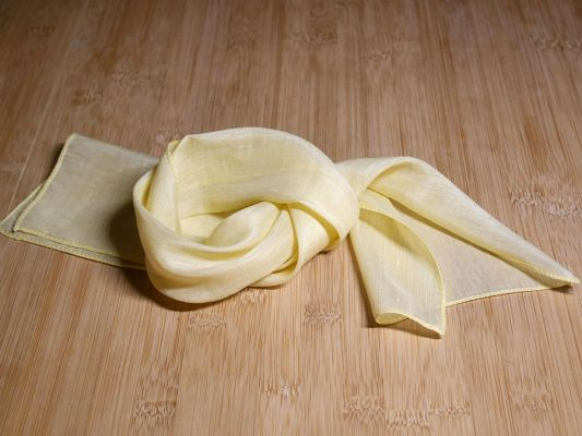Scarf silk yellow 32