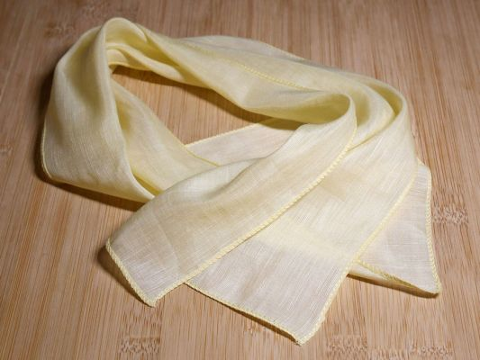 Scarf silk yellow 33